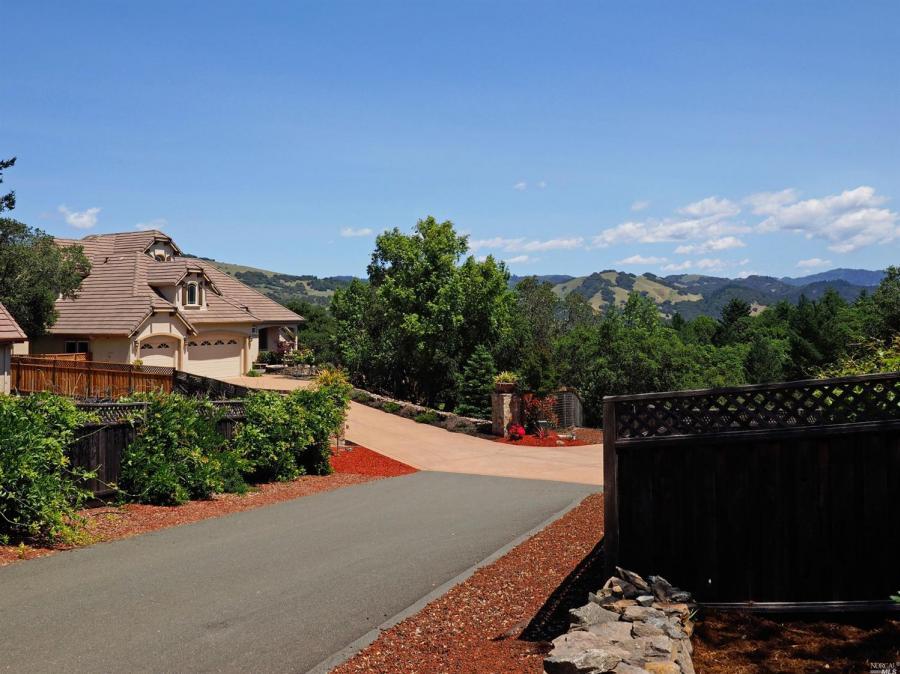 3924  Hansford Court, Santa Rosa, California