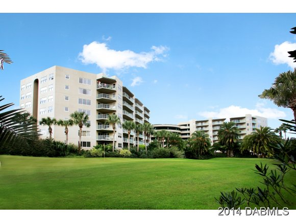 One of Daytona Beach 2 Bedroom Golf Course Homes for Sale