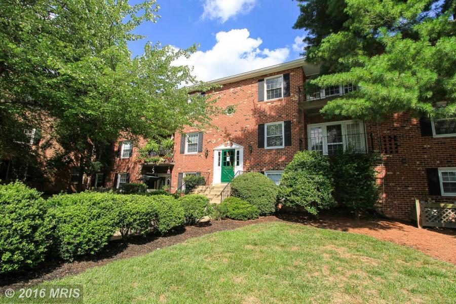 3975 LYNDHURST DR #102, Mantua in FAIRFAX CITY County, VA 22031 Home for Sale