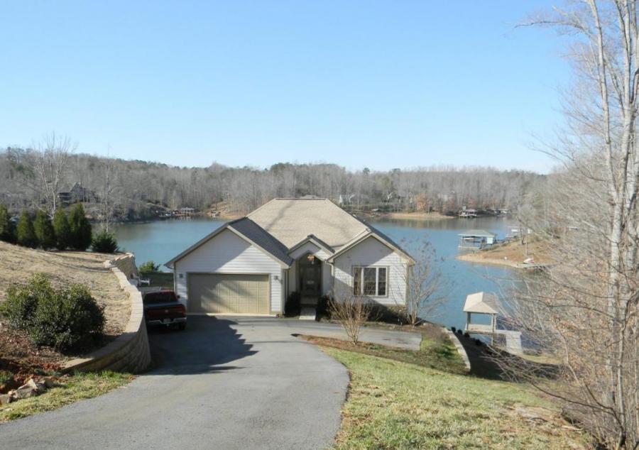 347 Housman Farm LN, Smith Mountain Lake, Virginia