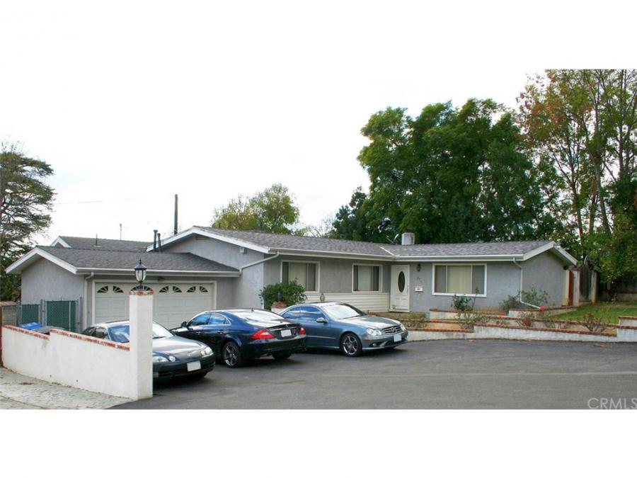 One of Altadena 3 Bedroom Homes for Sale at 672 Colman Street
